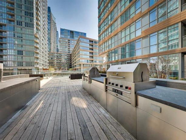 Nge stays downtown suite lake view toronto compare for 15 iceboat terrace amenities