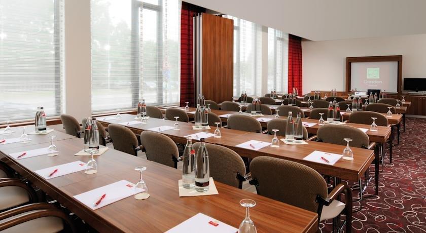 Leonardo hotel dresden altstadt vergelijk aanbiedingen for Dresden altstadt hotel