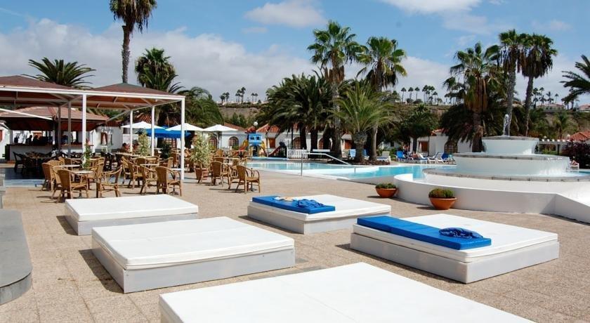 Eo suite hotel jardin dorado maspalomas compare deals for Suite hotel jardin dorado