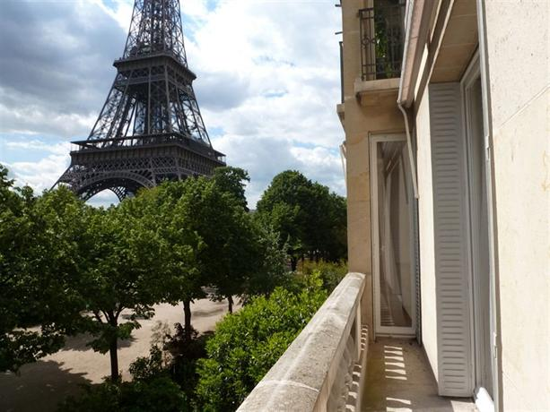 Private apartments eiffel tower paris compare deals for Apartment in eiffel tower