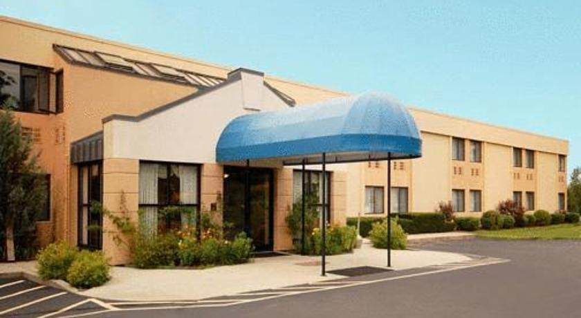All Seasons Inn & Suites Smithfield