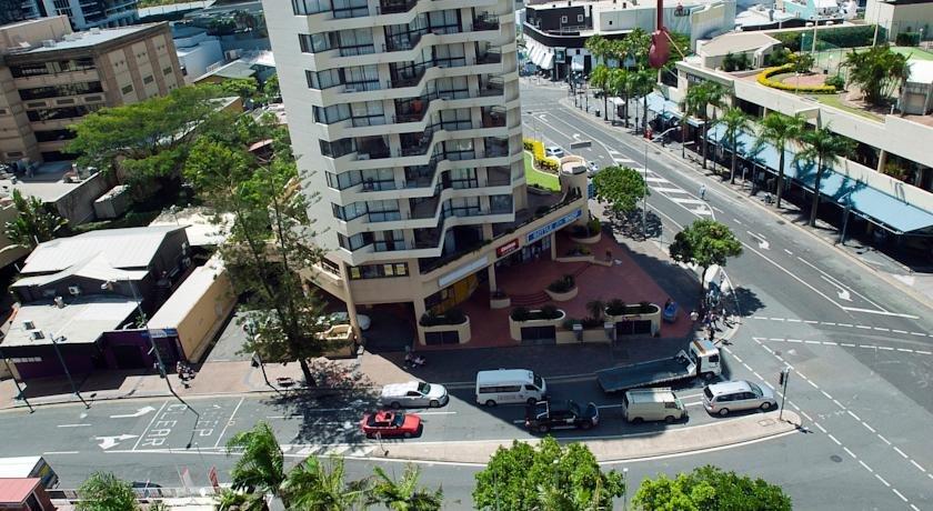 islander backpackers hostel gold coast compare deals. Black Bedroom Furniture Sets. Home Design Ideas
