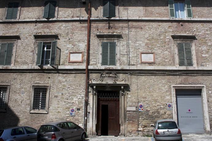 Little Italy Hostel