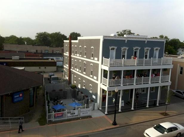 About The Grove Hotel Kingsville