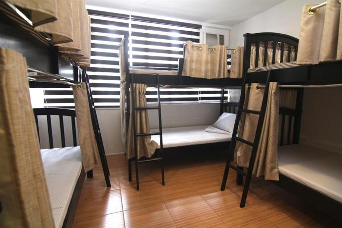 Hilik boutique hostel makati city compare deals for Boutique hostel
