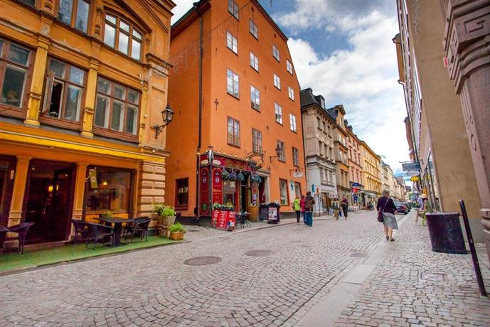 Apartdirect gamla stan ii stockholm compare deals for Stockholm appart hotel
