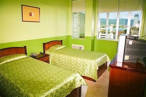 Gv hotel lapu lapu city compare deals for Chambre hotel lapu lapu