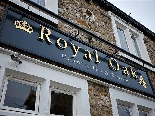 Royal Oak Settle