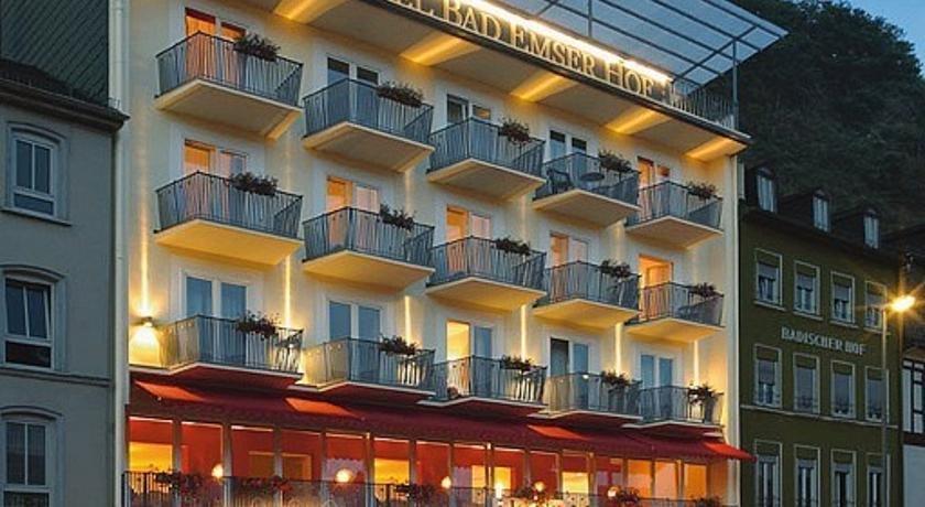 Www Restaurant Hotel Francais Pres Du Rhin En Allemagne Fr