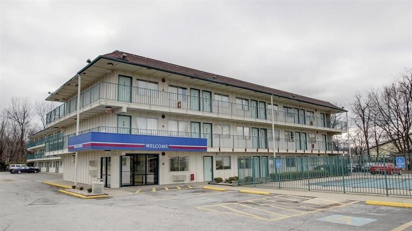 Motel 6 Louisville North Jeffersonville Indiana
