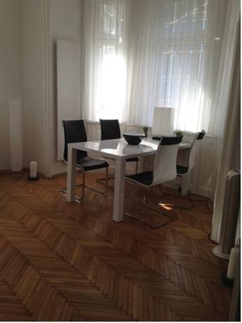 Design apartment schonbrunn vienna compare deals for Designer apartment vienna