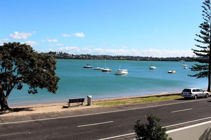 Bucklands beach waterfront motel auckland compare deals - Swimming pool maintenance auckland ...