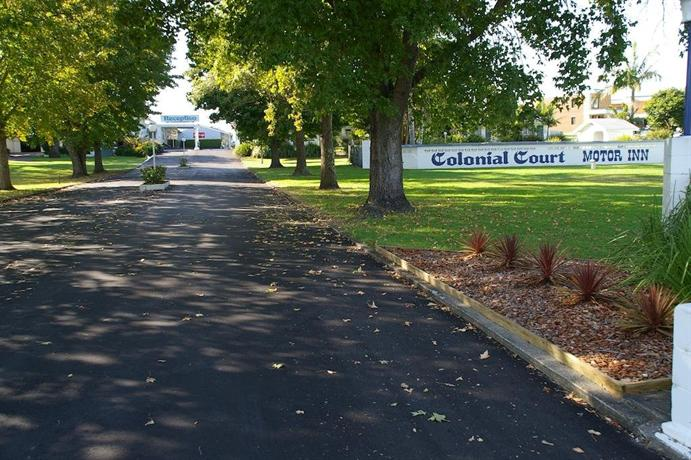 Colonial court motor inn kempsey compare deals for Colony house motor lodge