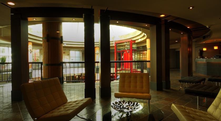 Lonsdale Quay Hotel Deals