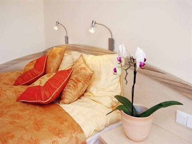 via del mar muslim 619 via del mar, vista, ca is a 1680 sq ft 2 bed, 2 bath home sold in vista, california.