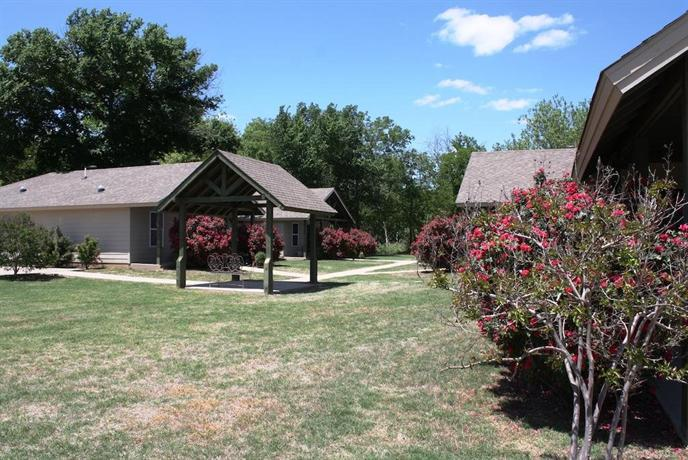 River Rock Bed and Breakfast Cottages