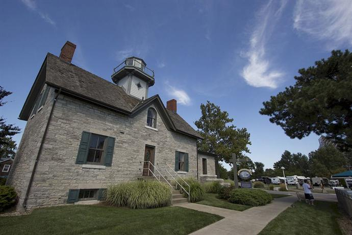 Cedar Points Lighthouse Point
