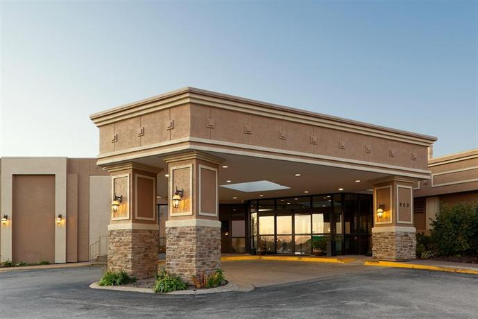 Holiday Inn Hotel & Suites Bettendorf