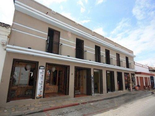 סוכנות הנסיעות קאסה מדרו (מלון) צילום של הוטלס קומביינד - למטייל (1)