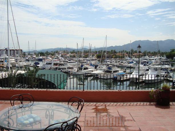 Puesta del sol 2201 puerto vallarta compare deals for Centro turistico puesta del sol