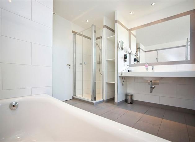 b o parkhotel bad aibling comparez les offres. Black Bedroom Furniture Sets. Home Design Ideas