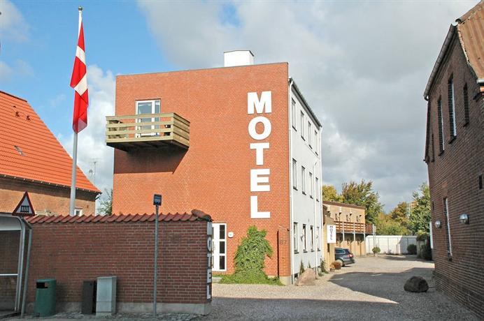 Motel Apartments