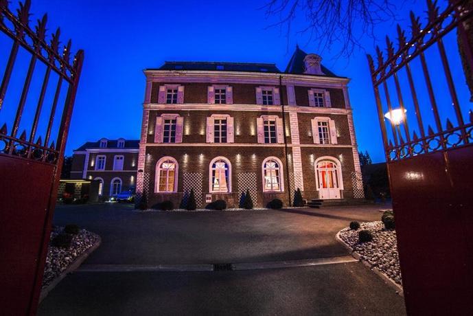 Hotel The Originals Lens west La Maison Rouge