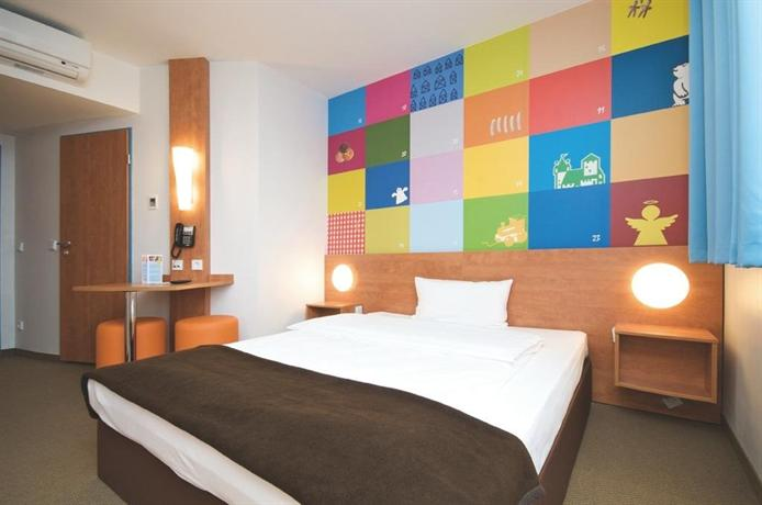 B b hotel nurnberg city nuremberg compare deals for Nurnberg hotel