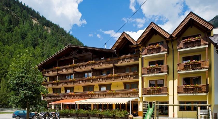 Hotel Post Otztal