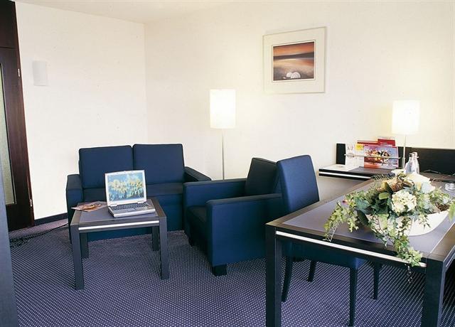 seminaris hotel l neburg die g nstigsten angebote. Black Bedroom Furniture Sets. Home Design Ideas