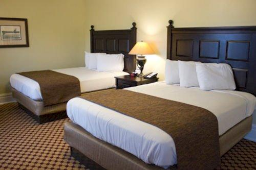Lake Yellowstone Hotel and Cabins Wyoming Compare Deals