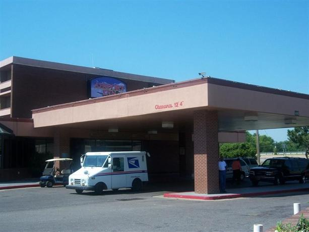 Motel 6 memphis graceland compare deals for Motels near graceland memphis tn
