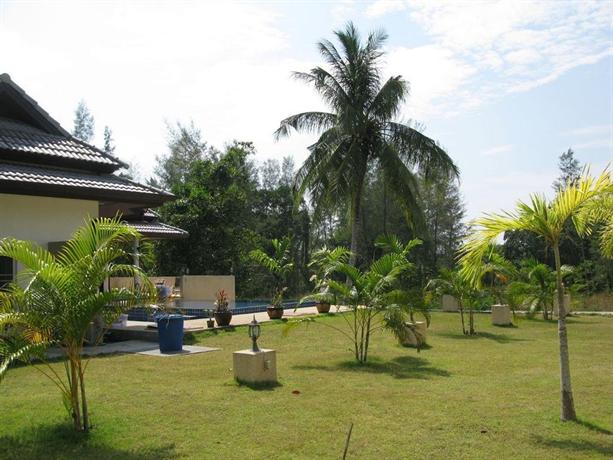 Green garden private pool villa khaolak khao lak for Green garden pool jakarta