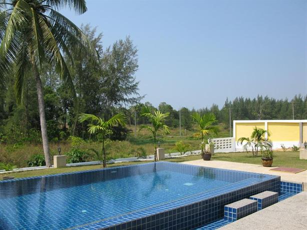 Green garden private pool villa khaolak for Green garden pool jakarta