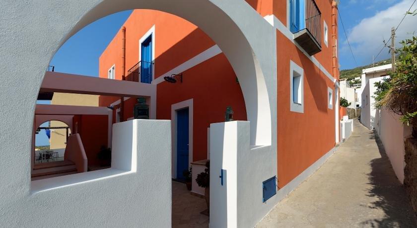 Hotel a cannata santa marina salina comparer les offres for Comparer les hotels