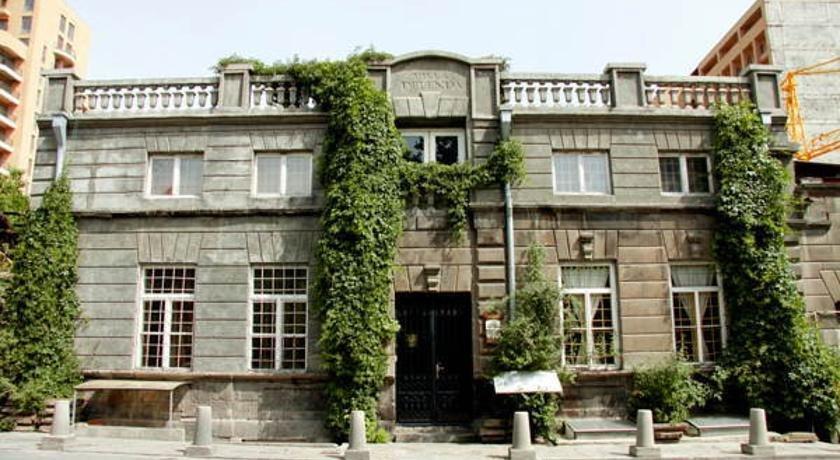 Villa delenda hotels yerevan for 14 floor hotel yerevan