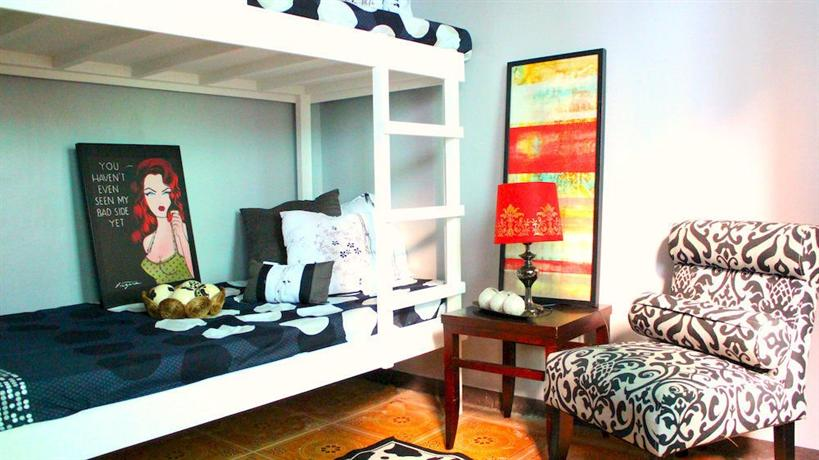Urban hostel makati makati city compare deals Villa escudero room pictures
