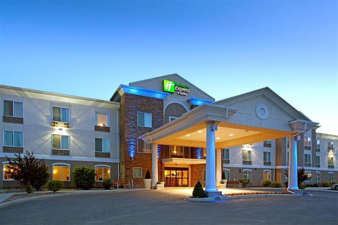 Grand River Hotel Parachute