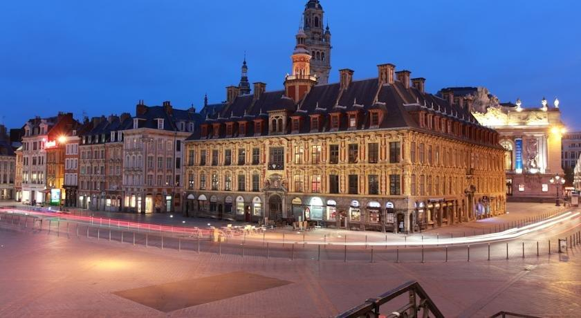 Hotel de la paix lille compare deals for Hotels lille