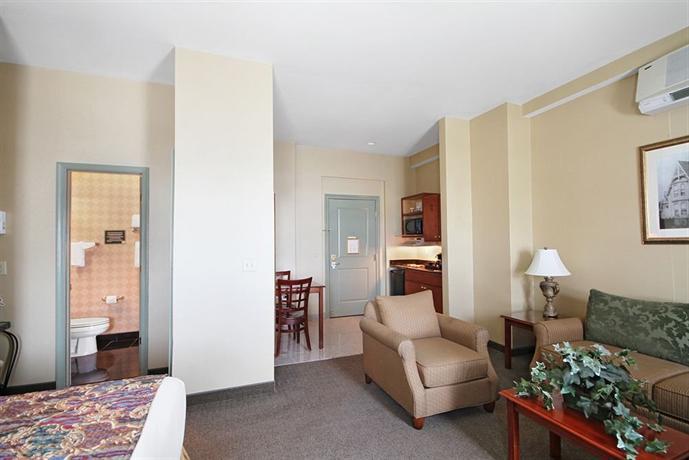 Governor Dinwiddie Hotel Reviews