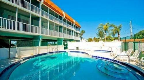 Pelican Cove Resort by A Paradise Vacation Rentals