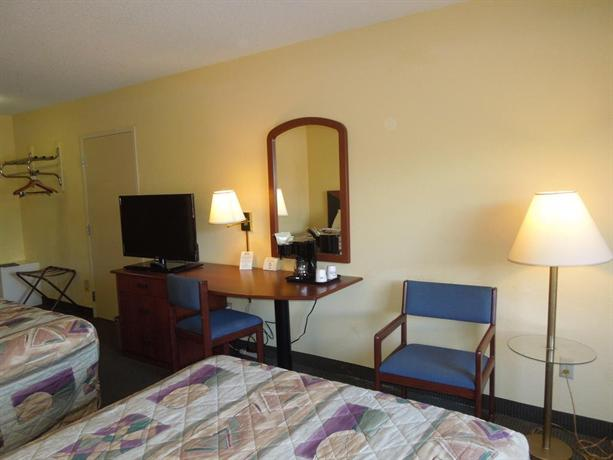 Days Inn Suites Dundee Hotels Mi 48131