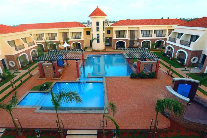 Grand serenaa auroville compare deals for Villas in pondicherry with swimming pool