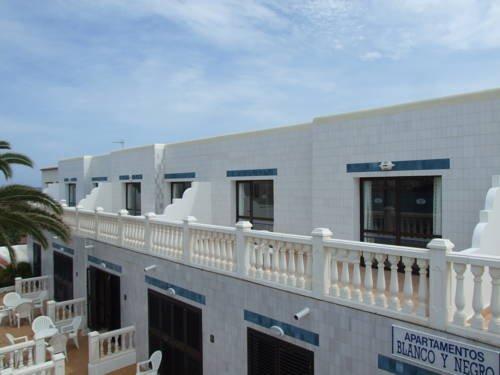 Jacaranda Apartments Santa Eularia des Riu