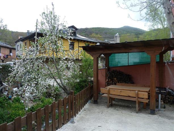 Casa el susurro ponferrada confronta le offerte for Piscinas ponferrada