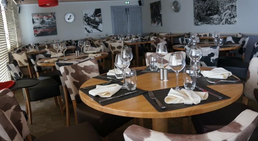 Hotel Restaurant La Spatule Logis Du Jura  Lamoura
