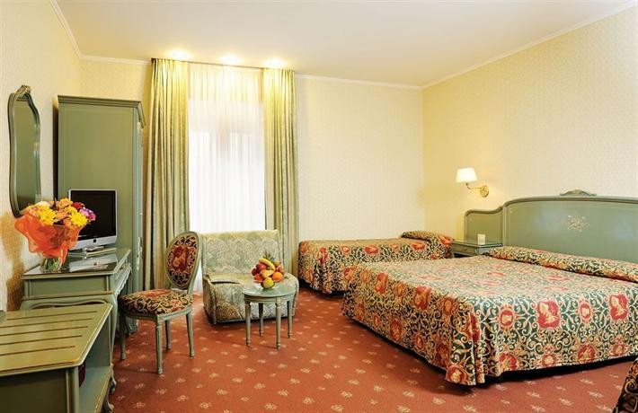 Hotel augustea rome compare deals for Hotel augustea rome