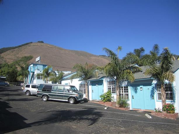 About The Palomar Inn