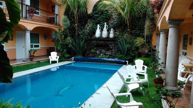 Hotel casa anturio cuernavaca compare deals for Jardines de anturios