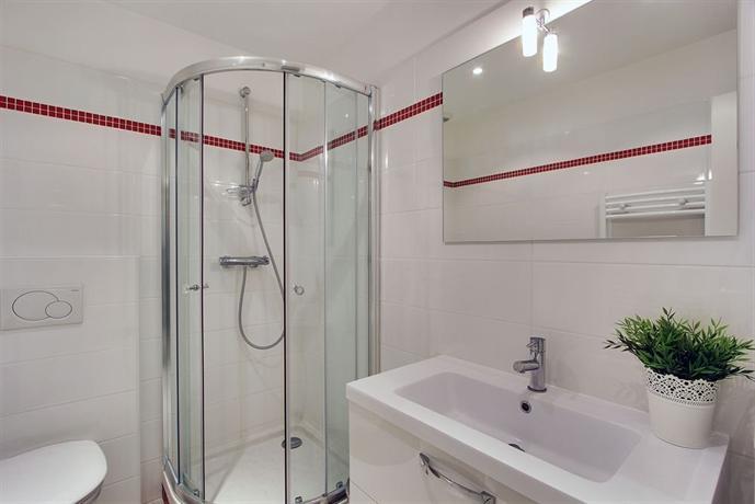 R sidence les jardins du roy hotels paris for Jardins hotel paris